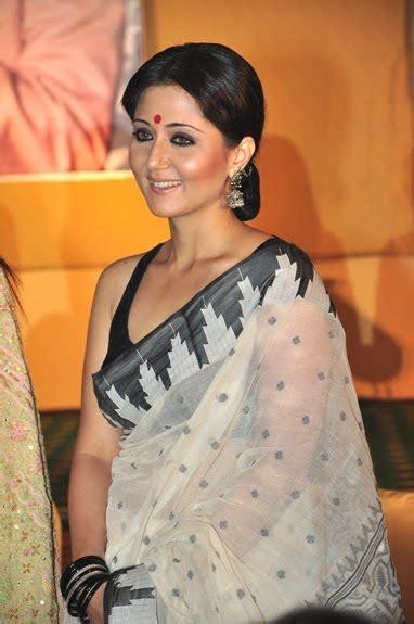 Hot Pics Of Desi And Celebretiy Nip Slip Desi Celebrities