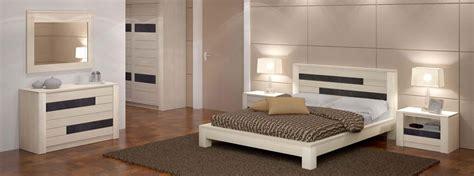 chambre a coucher moderne en bois massif chambre a coucher en bois massif moderne mzaol com