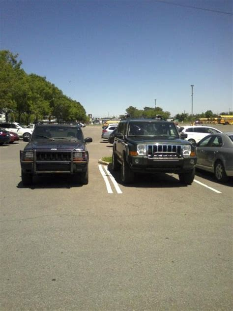 jeep commander vs 2011 grand cherokees a joke jeep cherokee forum