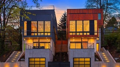 Photo 15 of 17 in 16 Prefab Shipping Container Home