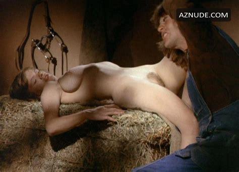 Karen Trumbo  nackt