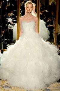 The top 10 most popular wedding dress designers therichest for Most popular wedding dress designers