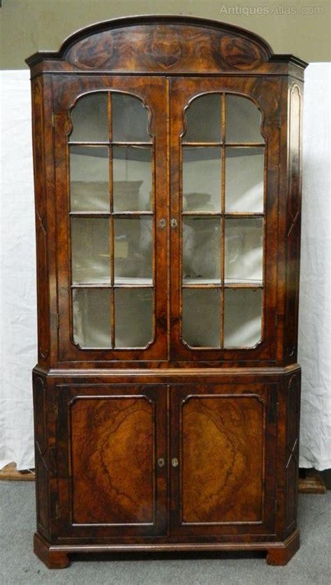 mahogany corner cabinet walnut corner cupboard antiques atlas 3949