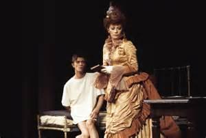 Tony Award winner Patricia Elliot dies of cancer aged 77 ...
