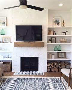 Living Room With Fireplace And Bookshelves by Best 25 Simple Fireplace Ideas On