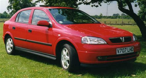 vauxhall astra the 10 best selling cars in uk history mycarneedsa com