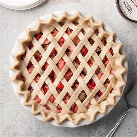 For this recipe, i use a combination of cold butter and cold vegetable shortening. Easy Pie Crust Recipe | Taste of Home