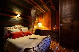 Chambre avec jacuzzi privatif nord farqna for Chambre romantique avec jacuzzi nord