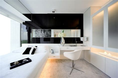 Tranquil And Dynamic Interior Design Vivid Water Splashed