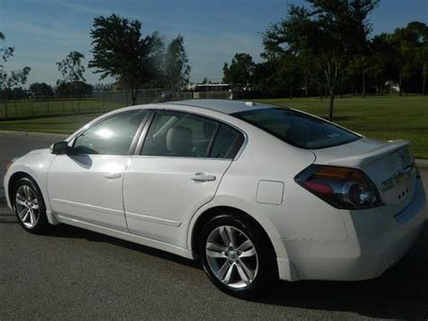 nissan altima sport purchase used 2012 nissan altima 3 5 sr sport sedan