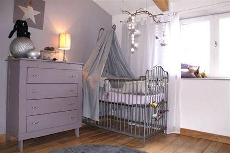 a quel age bébé dort dans sa chambre préparer la chambre de bébé