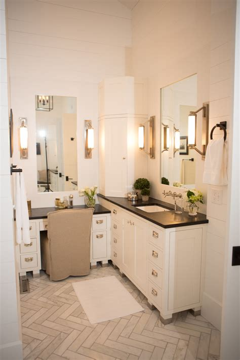 Vanity Area In Bathroom by Makeup Area In Vanity To Treat A Right Decohoms