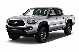 Motor Trend Reviews The 2018 Toyota Tacoma Where Consumers