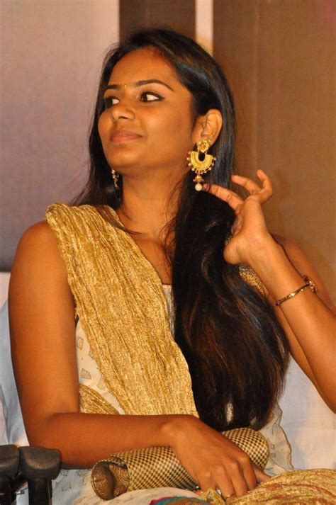 actress lakshmi priya facebook lakshmi priya photos lakshmi priya images pictures