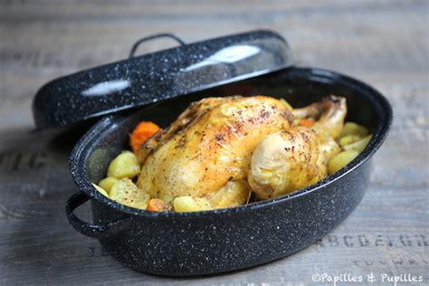 comment cuisiner un poulet comment cuisiner une pintade pour 28 images poulet r