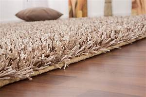 tapis shaggy tisse a la main coloris brun clair design With tapis shaggy avec dimension d un canapé bz