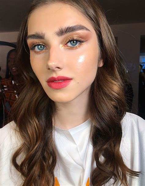 the most wearable makeup trends spotted at fashion week ss19