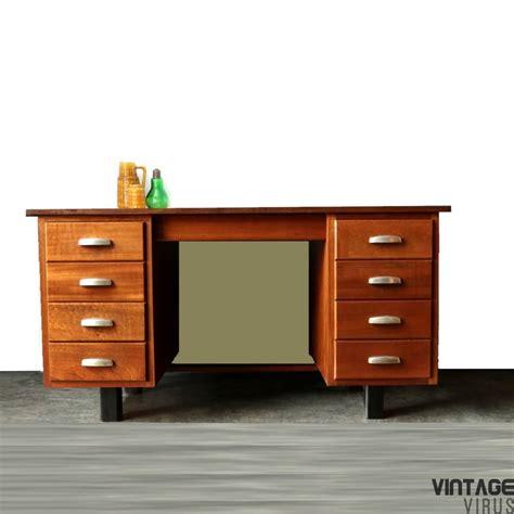bureau retro groot vintage directiebureau met 2 ladeblokken en 8 lades