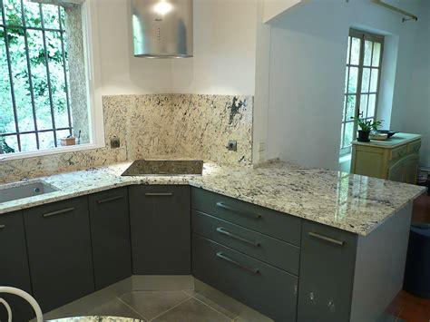 granit pour plan de travail cuisine plan de travail pour cuisine azur