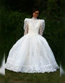 thrift store wedding dress this bought a frumpy wedding dress at a thrift shop but then turned it into a thing of