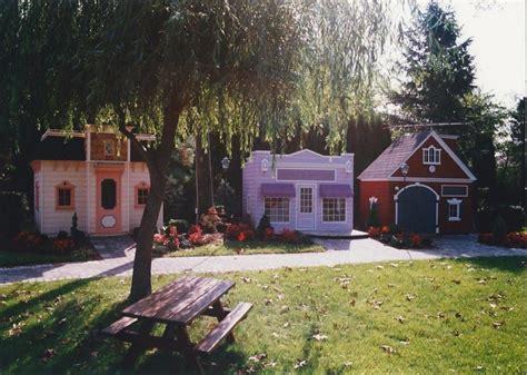 Backyard House - childrens custom playhouses diy playhouse plans lilliput
