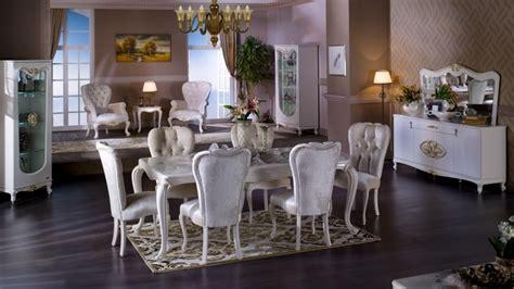 salle  manger baroque dans  interieur contemporain