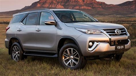 Toyota Fortuner Photo by Toyota Fortuner Crusade 2016 Review Carsguide
