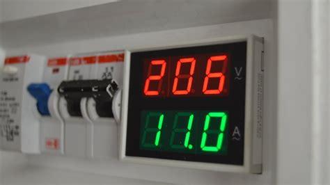 como instalar medidor de tension para tablero