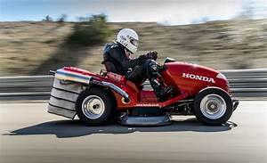 Tondeuse À Gazon Honda : la tondeuse gazon la plus rapide du monde plus de 200km h buzz insolites ~ Melissatoandfro.com Idées de Décoration