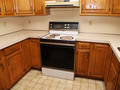 replace  kitchen cabinets tops