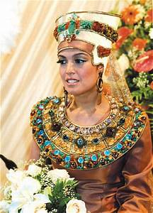 Top-10 traditional wedding dresses of different countries ...