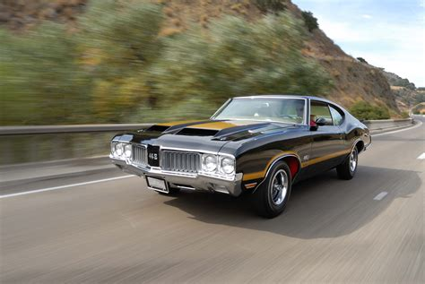 Oldsmobile : This Gorgeous And Rare 1970 Oldsmobile 4-4-2 W-30 Was Once