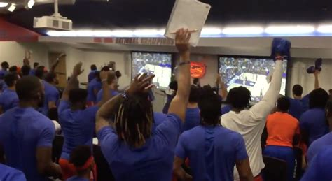 WATCH: Florida football team delays team meeting to catch ...