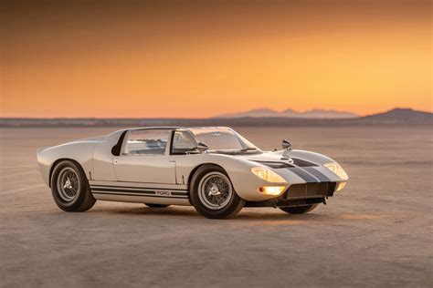 heres  chance  binge buy   generations  ford gt