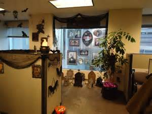 Office Cubicle Halloween Decorating