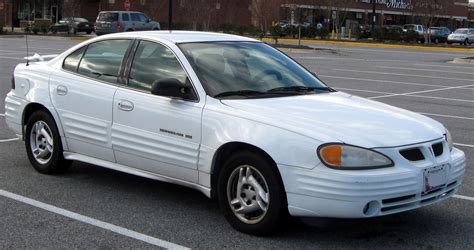 pontiac grand prix coupe  pictures information