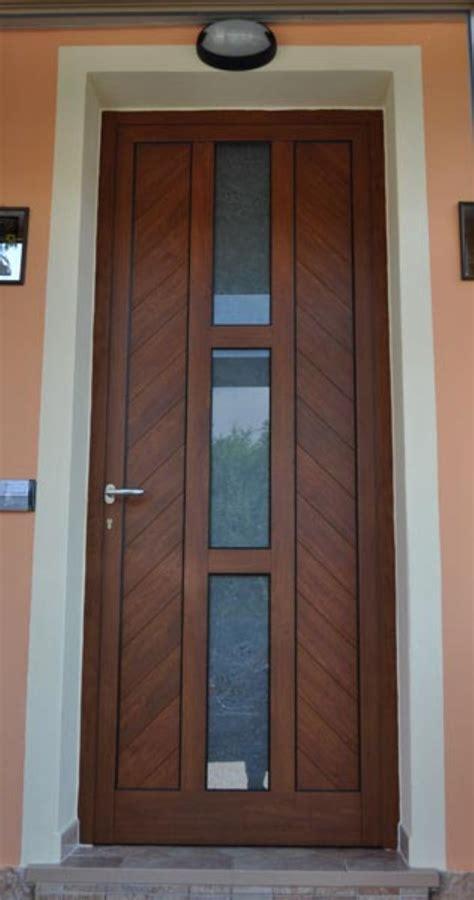 portoni ingresso serramenti in alluminio ferro legno e pvc chiusi siena