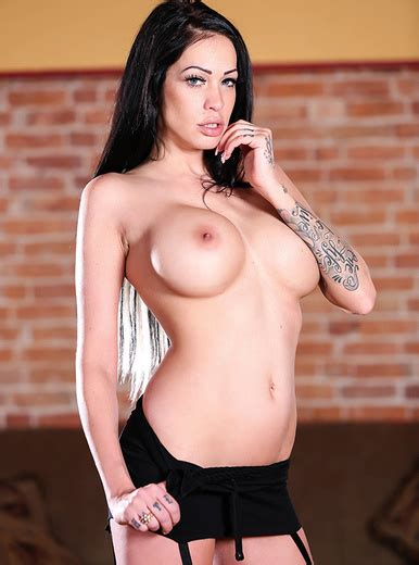 Kelly Summer Porn Videos And Hq Pictures Brazzers Sex