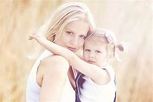 such a cute pose for mother and daughter | Photography ...