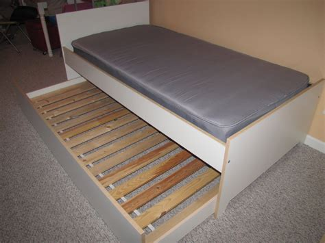 Bed With Trundle Ikea by Trundle Bed With Drawers Ikea Images
