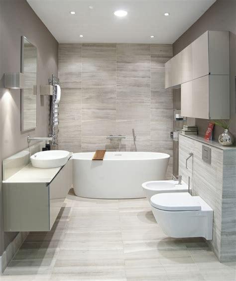 Kleine Badezimmer Modern by Badeinrichtung Mit Moderner Badewanne