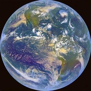 Kleine Fliegen In Der Erde : das magnetfeld der erde sch tzt uns vor aliens warum das erdinnere noch immer ein r tsel ist ~ Frokenaadalensverden.com Haus und Dekorationen