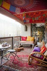 Wunderschoner balkon deko ideen zur inspiration for Balkon teppich mit alice im wunderland tapete