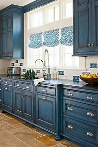 1001 idees pour une cuisine bleu canard les interieurs With kitchen colors with white cabinets with rustic prints wall art