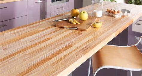 table de cuisine en stratifié plan de travail en bois choix et entretien côté maison