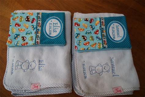 geschenke für zwillinge geschenke zur geburt f 252 r zwillinge jomely