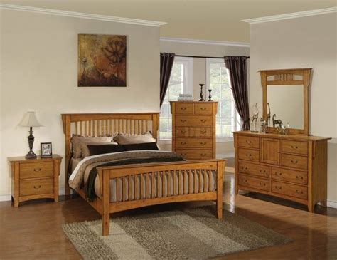 Bedroom Decorating Ideas With Pine Furniture by Best 25 Pine Bedroom Ideas On