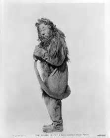 Cowardly Lion Wizard Oz