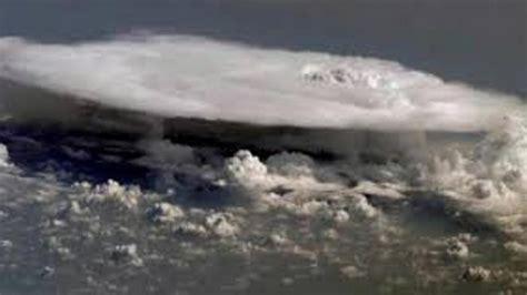 bmkg peringatkan  potensi awan cumulonimbus