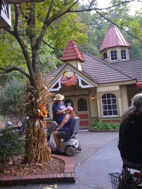 dollywood phone number magic shop dollywood 2700 dollywood parks blvd pigeon